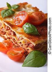 közelkép, függőleges, lasagna, darab, tányér., fehér