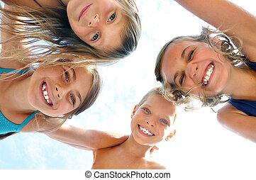 külső, portré, mosolygós, barátok, gyerekek, boldog