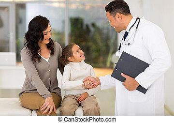 kevés, türelmes, kézfogás, gyermekgyógyászati, orvos