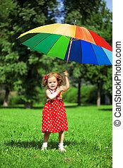 kicsi lány, szivárvány, liget, esernyő