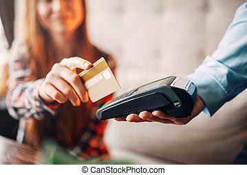 kiegyenlít, nő, fiatal, hitel, kávéház, kártya