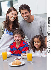 konyha, család, boldog