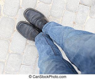 lábak, útburkolat, cipők