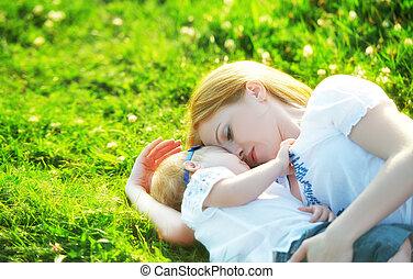 lány, család, nature., zöld, anyu, csecsemő, fű, játék, boldog