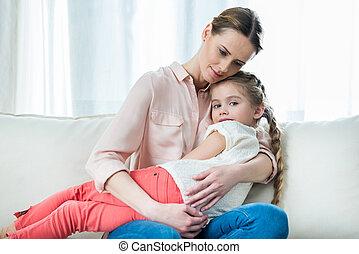 lány, gondolkodó, ülés, pamlag, időz, birtok, anya, portré