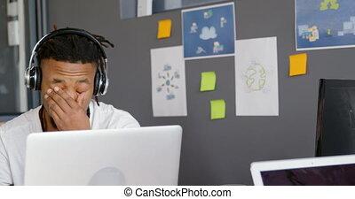 laptop, figyelmes, hím, dolgozó, végrehajtó, 4k, hivatal