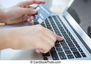laptop, online, hitel, számítógép, hatalom kezezés, használ, kártya