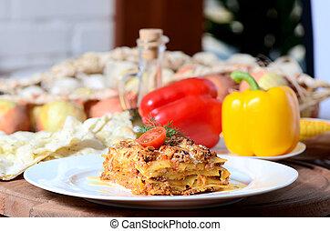 lasagna, olasz, tányér