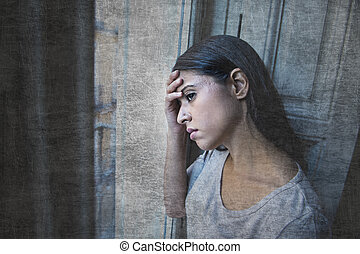 latin, otthon, látszó, csalódott, depresszió, fekvő, szenvedés, nő, through ablak