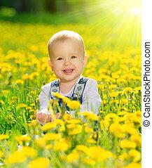 leány, kaszáló, menstruáció, csecsemő, boldog, sárga, természet