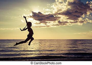 leány, ugrás, tengerpart, boldog
