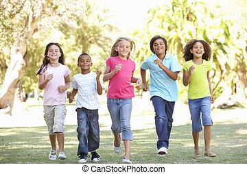 liget, futás, csoport, gyerekek, át