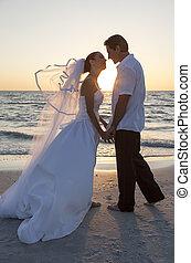 lovász, párosít, házas, menyasszony, napnyugta, esküvő, tengerpart