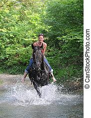 lovaglás, nő