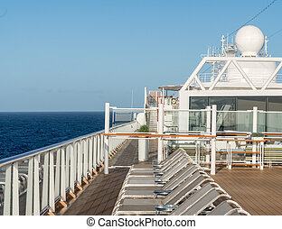 luxushajó, henyélők, evez, fedélzet