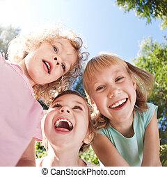 móka, boldog, birtoklás, gyerekek