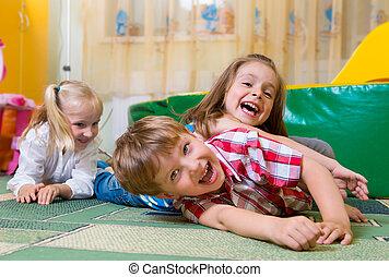 móka, otthon, boldog, gyerekek, birtoklás