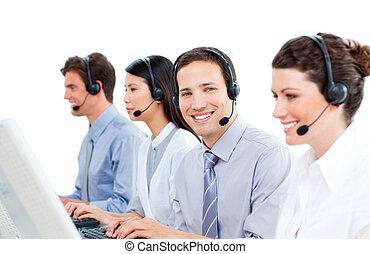 magabiztos, középcsatár, dolgozó, hívás, ügynökök, vevőszolgálat