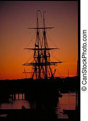 magas hajó, napkelte
