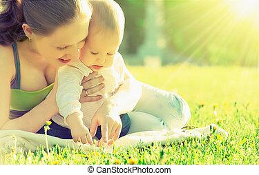 maradék, kaszáló, nyár, family., liget, anyu, szabadban, csecsemő, boldog