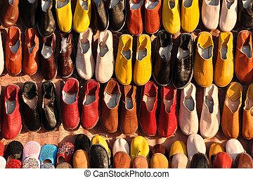 marrakech, marokkó, cipők, színes, kiárusítás