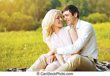 meglehetősen, szeret, párosít, birtoklás, boldog, fű, móka outdoors