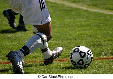 megrúg, futball