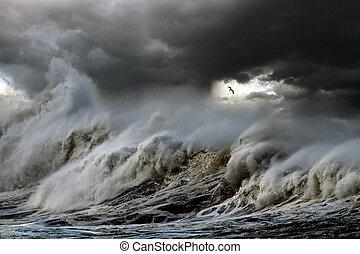 megrohamoz, tenger