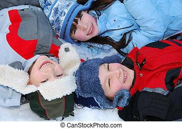 mosolygós, gyerekek, tél