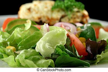 moussaka, saláta