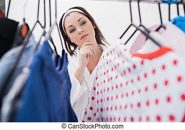 nő, öltözet, válogat