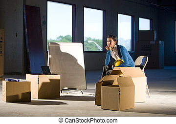 nő, dobozok, mozgató, hely, üres, fiatal, hivatal