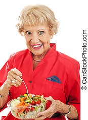nő, eteti magát, idősebb ember, saláta