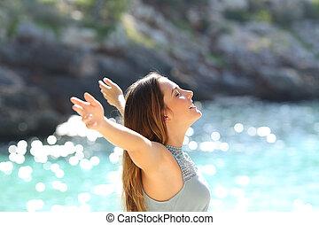 nő, fegyver, boldog, friss, emelés, ünnepek, lélegzés, levegő