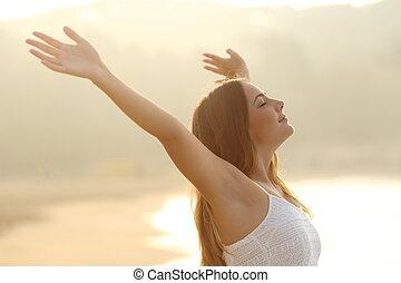 nő, fesztelen, fegyver, levegő, lélegzés, emelés, friss, napkelte