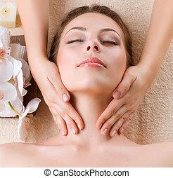 nő, fiatal, arcápolás, ért masszázs, ásványvízforrás, massage.