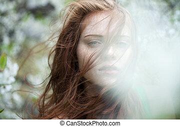 nő, fiatal, bitófák, portré, virágzó, álló, eredet, kert, gyönyörű