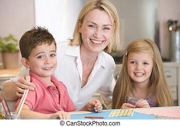 nő, művészet, két, fiatal, terv, mosolygós, gyerekek, konyha