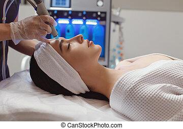 nő, microdermabrasion, ásványvízforrás, kilátás, terápia, szépség, homlok, lejtő, felfogó