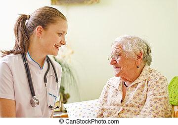 nő, nála., orvos, látogató, -, fiatal, /, socialising, beszéd, öregedő, beteg, ápoló