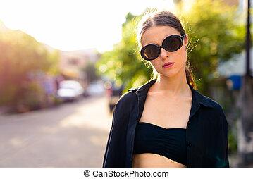 nő, szabadban, portré, utcák, fiatal, gyönyörű, város