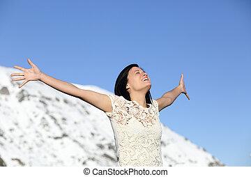 nő, tél, fegyver, mély, lélegzés, emelés, boldog