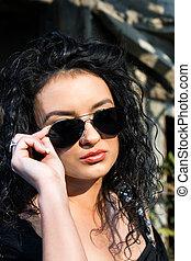 nők, szemüveg