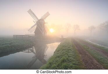 napkelte, sűrű, szélmalom, köd