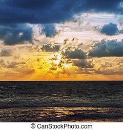 napkelte, tenger