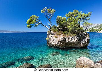 napos nap, horvátország, brela, tengerpart, horvát