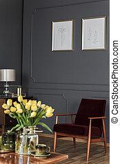 nappali, fából való, tulipánok, sárga, retro, felül, asztal, belső, plakátok, karosszék