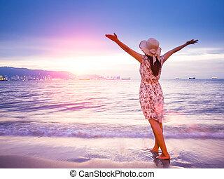 nyár, bizalom, nő, utazás, seaside., fegyver, alatt, erős, nyílik, concept., napkelte