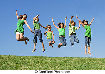nyár, iskola ugrat, csoport, tábor, ugrás, faj, kevert, vagy, boldog