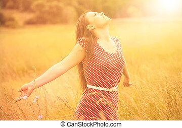 nyár, nő, búza, kaszáló, fiatal, napvilág, fun., élvez, boldog